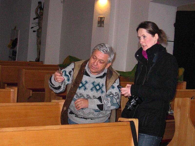 O Betlém bývá zájem i ze stran médií. B.Kaštovský ml. (nestor díla) dává rozhovor redaktorce novin (15.12.2012).